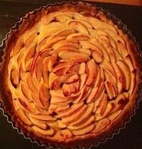 Vanilla Apple Shortbread Tart