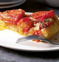 Tomato and caramelized onion pie