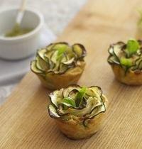 Tartelettes fleurs aux courgettes et fromage frais