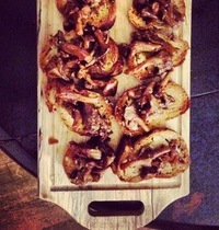 Golden chanterelle mushrooms and Port toasts