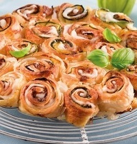 """Torta di rose"" à la mozzarella, basilic et courgette"