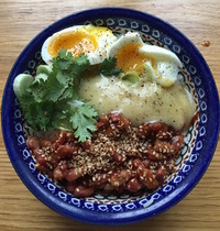 Udon maison au chutney de tomates, gingembre & piment d'Espelette